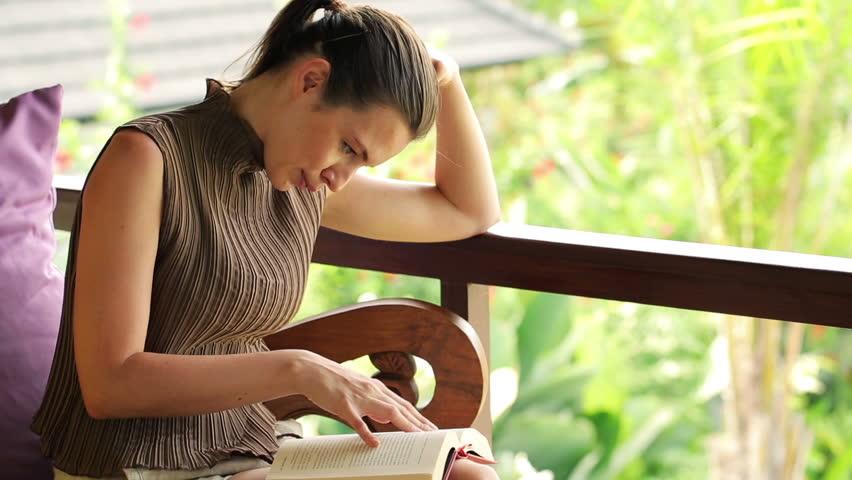 論文を読めば読むほど、書くことも上達します