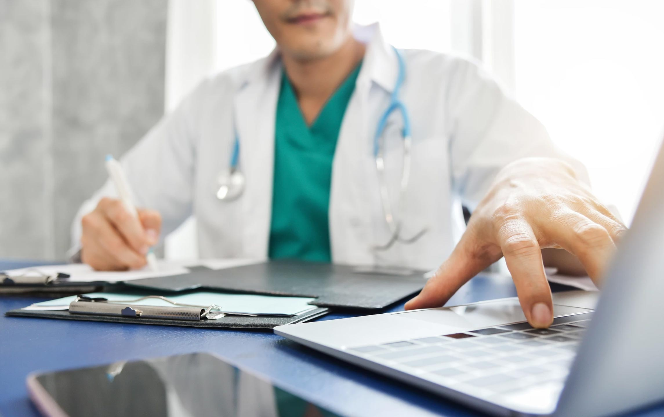 Doctor-Laptop2